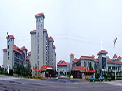 距离东营市飞机场及火车站15公里20分钟的车程,距商业中心和东青高速